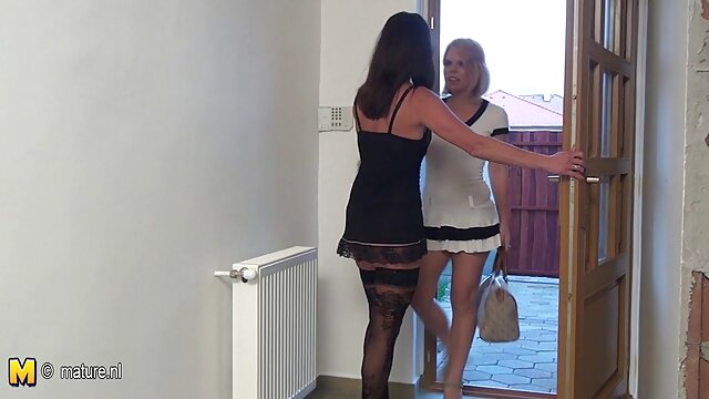 Rubia tetona videos pornos de tias con sobrinos Jessica Jensen haciéndolo todo sola