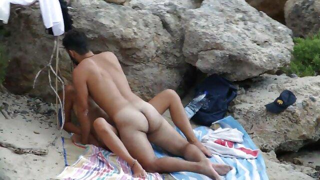 Pelirroja babe cockriding su tia tiene sexo con su sobrino prohibido ídolo