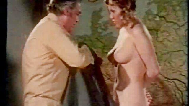Kinky semental es atado por tias con sus sobrinos xxx su rubia tetona caliente humeante